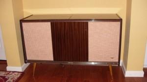 anita-11962-stereo-console-001