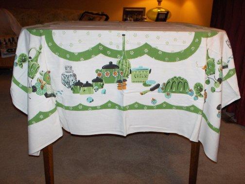 michael-tablecloth