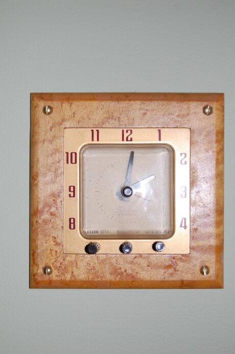 vintage-wall-clock