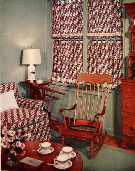 cafe-curtains-for-an-early-american-room