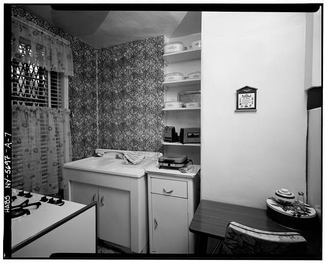 dunbar-apartment-habs-1955
