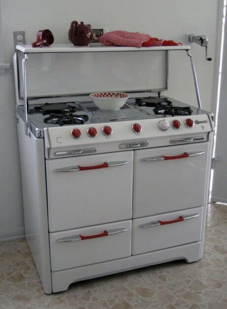 stephanies-vintage-stove