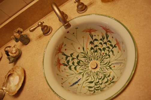 Pottery Craftsman Sink In A 50s Pink Bathroom