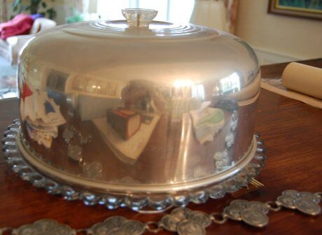 vintage-cake-server-glass-and-chrome
