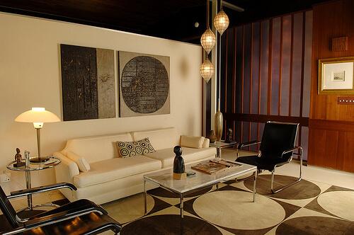 Vintage Modern Living Room : Steven updates his 1957 Alcoa Aluminum House - Retro Renovation