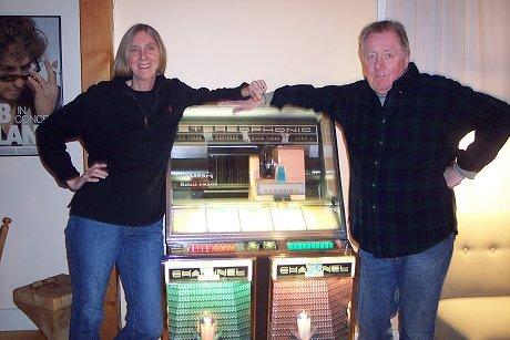 bob-and-kaarin-and-their-seeburg-juke-box