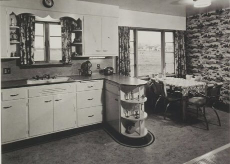 16 vintage Kohler kitchens -- and an important kitchen sinks still