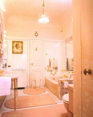 Marjorie-post-Hillwood-1950s-bathroom