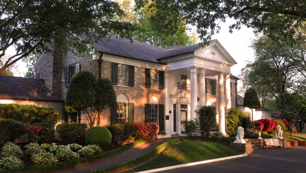 Incredible Elvis Presley's Home Graceland 1024 x 578 · 245 kB · jpeg