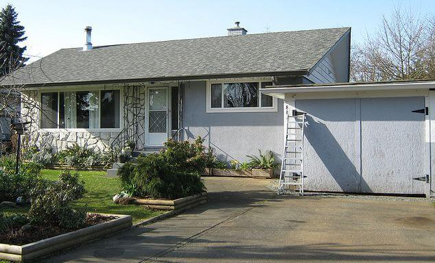 Help Christa Choose An Exterior Paint Color For Her 1961 House Home Design Idea