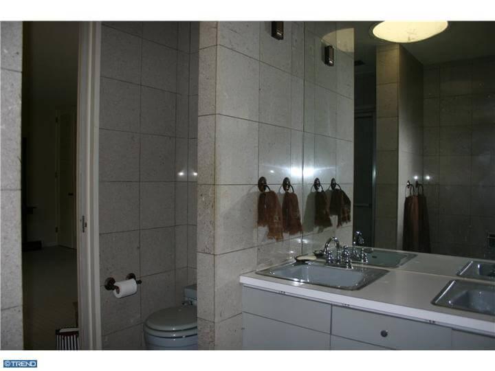 adrian-pearsall-house-bathroom