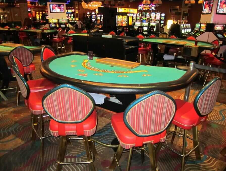 blackjack table at the sahara
