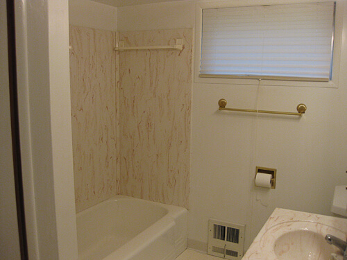 1980s bathroom before retro renovation