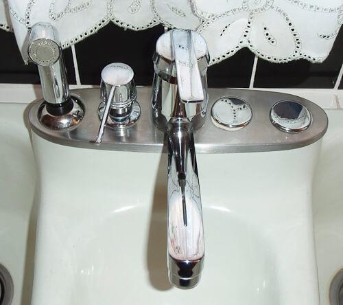 vintage fiesta sink