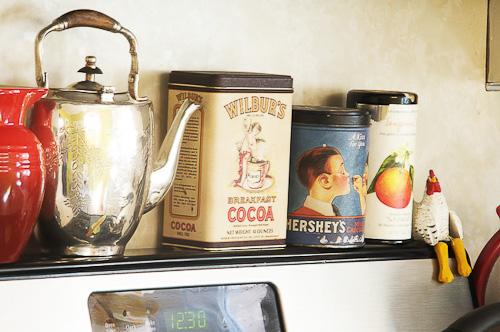 retro kitchen collectibles