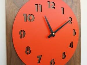 uncommon retro modern clock