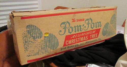 Pom Pom aluminum Christmas tree