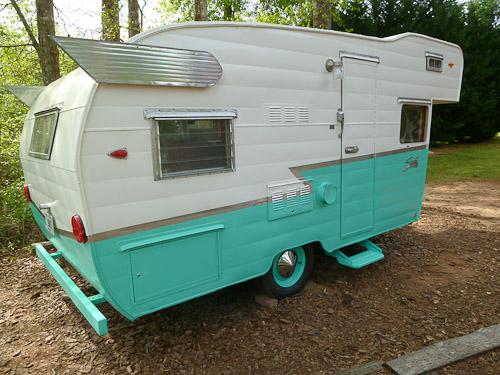Shasta trailer an astroflyte a gorgeous restoration retro