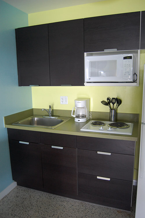 Ikea kitchens cheap cheerful midcentury modern design for Cheap modern kitchen designs