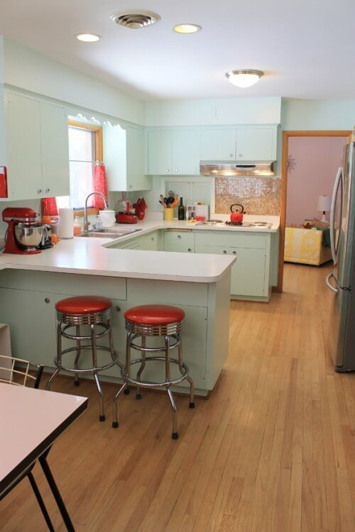 Kate 39 s 771 kitchen remodel she shares her diy lessons for 50s kitchen ideas
