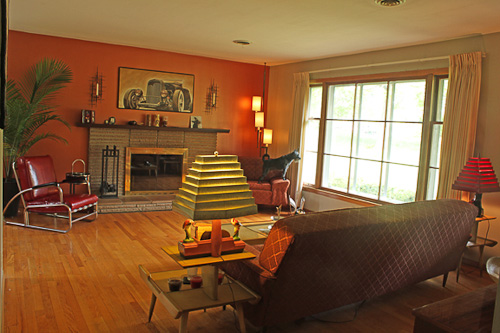 """1960s Living Room : Jim and Kathleen's """"little slice of 1960"""" Knoxville home ..."""