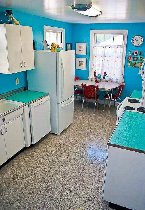 keri 39 s happily ever after 7 000 kitchen remodel retro renovation