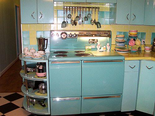 lori 39 s pink blue and yellow retro kitchen a whole lot of lovin 39 fun