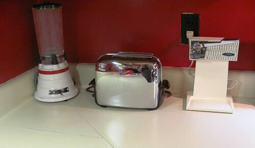 vintage toaster and other appliances
