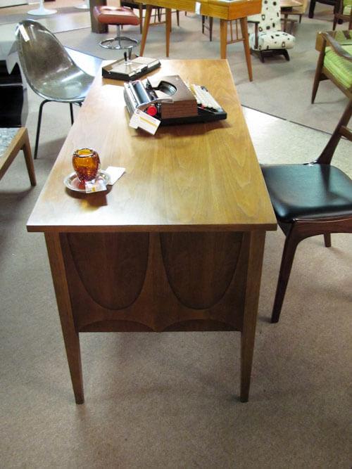 broyhill brasilian desk