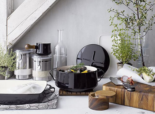 Kobenstlye cookware