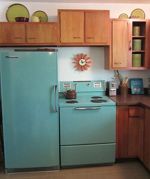 1961-Hotpoint-Fridge-&-Stove-aqua