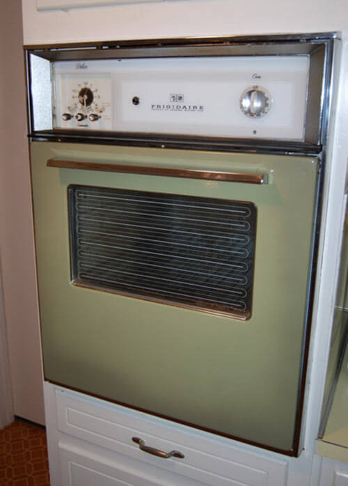 1970-avocado-wall-oven