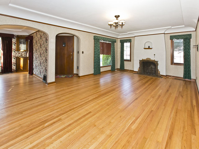 1940 Living Room With Coved Ceiling And Original Hardwood Floors