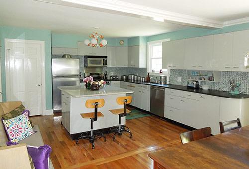 vintage-retro-modern-kitchen-st chalres metal-cabinets