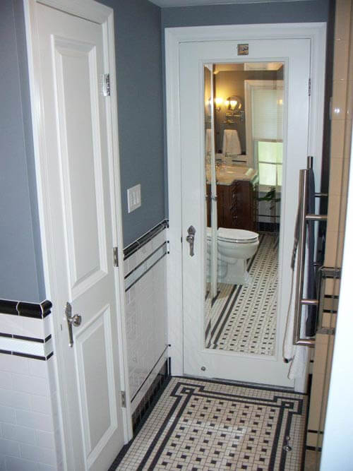 vintage-tile-bathroom mirrored door