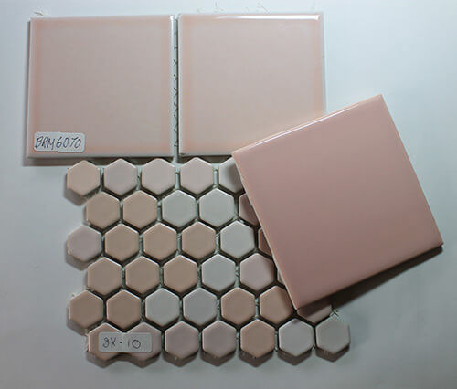 Pink-tile-combinations-for-retro-bathroom