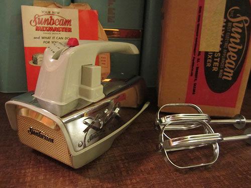 Vintage-sunbeam-hand-mixer-