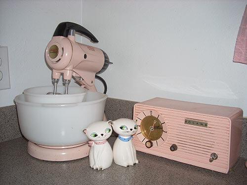 pink-sunbeam-mixmaster-vintage