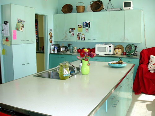 Nancy's metal kitchen cabinets get a fresh coat of paint -- and