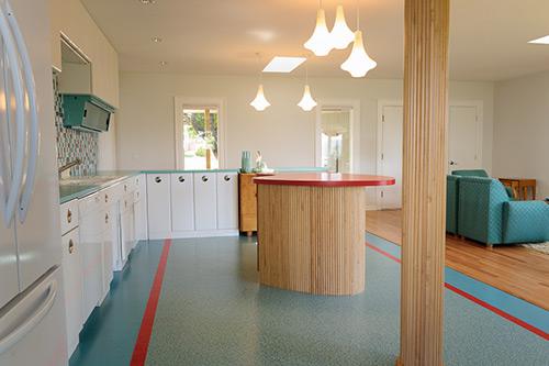 retro-modern-aqua-and-red-kitchen