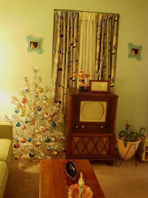 1960s-pom-pom-tree
