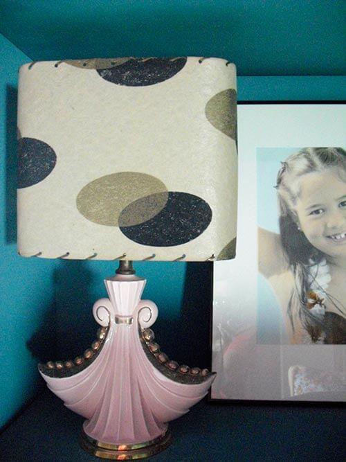 pink-vintage-lamp
