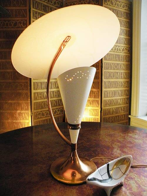 20 Dazzling Vintage Table Lamps Moss Majestic And More