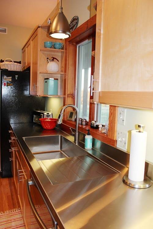 integrated-stainless-steel-counter-with-drainboard-sink