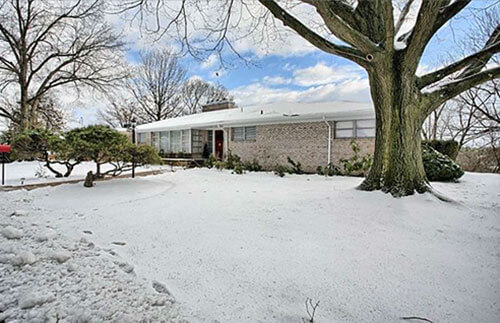 mid-century-exterior-house-winter