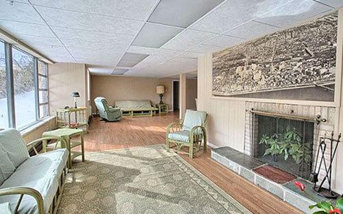 mid-century-sun-room