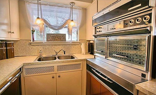 vintage-kitchen-appliances-retro-kitchen