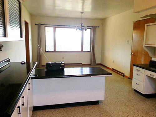vintage-kitchen-black-and-white-retro