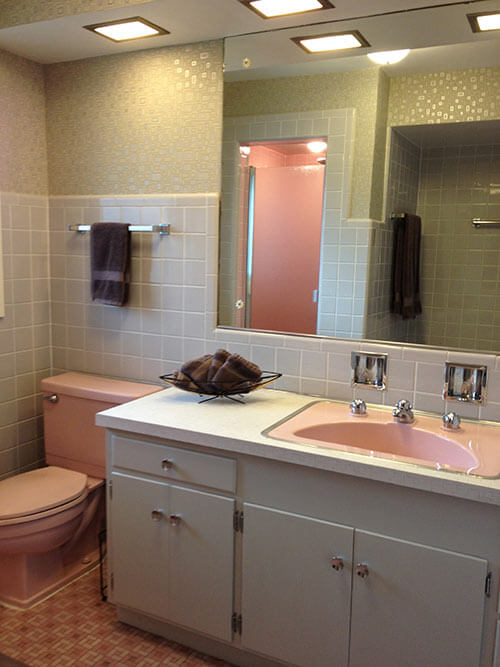 vintage-pink-and-grey-bathroom-1950