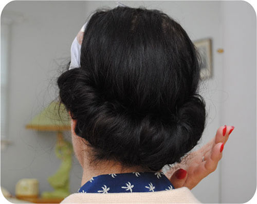 vintage-roll-back-with-scarf-hairstyle